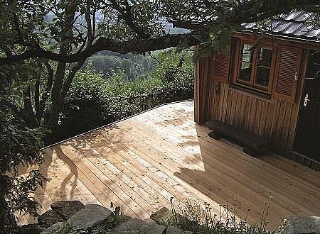 Terasové ryhované dosky prírodná DOUGLASKA (obojstranné jemné drážkovanie) Terasové prkna DOUGLASKA 25 x 140 x 2000 mm